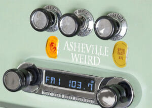 WPVM CAR RADIO